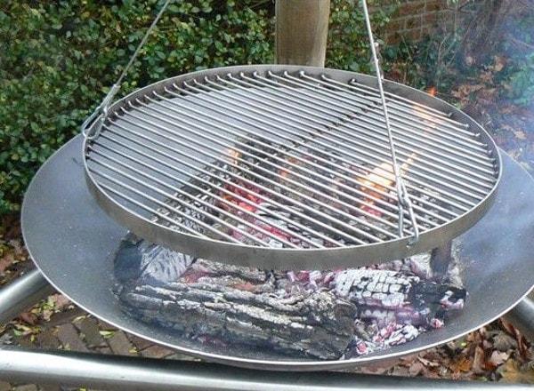 Samosa slinger grill met mikado vuurschaal 80 cm - Grille barbecue 80 cm ...
