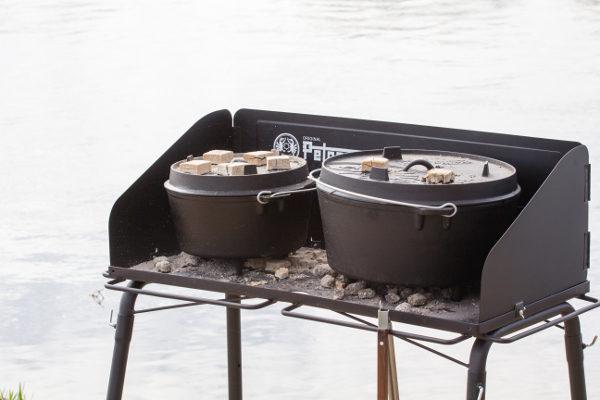 Petromax Dutch oven vuurtafel buiten
